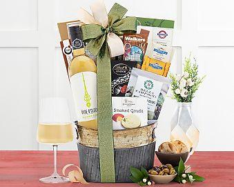 Wine O'Clock Sauvignon Blanc Gift Basket